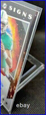 2020 Phoenix Tua Tagovailoa STAR SIGNS AUTO Silver Prizm Dolphins Autograph