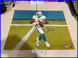 Autographed Tua Tagovailoa 16x20 Signed Photo Dolphins Fanatics Hologram